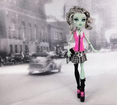 Monster High doll clothes pink black and white от JonnaJonzon, $17.00