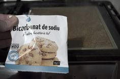 Cum curățăm filtrele de la hotă cu praf de copt si bicarbonat de sodiu - magazinul de acasă Clean My House, Ice Cream, Bread, Cleaning, Cookies, Desserts, No Churn Ice Cream, Crack Crackers, Tailgate Desserts