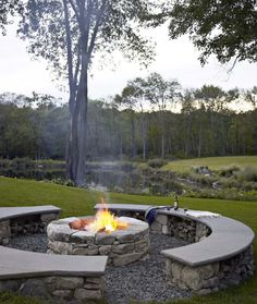 Fire pit ... this would be awesome at the lake house :)