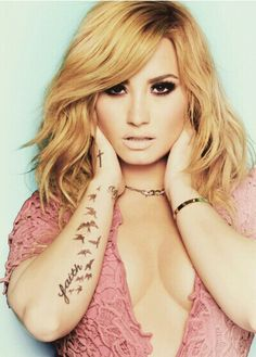 I always love her different hair. Love Demi Lovato