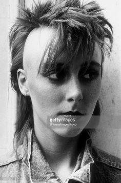 A female punk with a mullet/mohican, 80s Punk, Punk Goth, Female Mohawk, Riot Grrrl, Mullets, Girl Short Hair, Punk Fashion, Pretty Face, Short Hair Styles