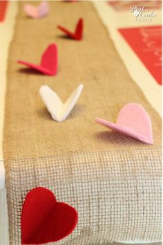 Who doesn't love a good burlap project? Make this sweet table runner for Valentine's Day!