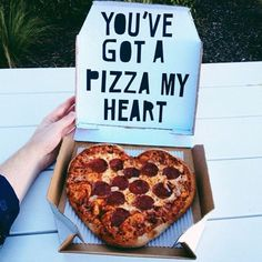 Pizza my heart ❤️ Pizza mein Herz ❤️ I Love Food, Good Food, Yummy Food, Tasty, Junk Food, Ma Pizza, Pizza Food, Pizza Puns, Tumblr Food