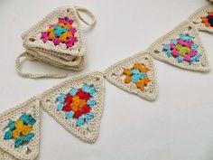Granny Square Häkelanleitung, Granny Square Crochet Pattern, Crochet Squares, Crochet Granny, Crochet Motif, Crochet Yarn, Crochet Patterns, Crochet Bunting, Crochet Garland