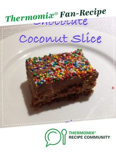 Recipe 5 Second Chocolate Coconut Slice by Sistermixin, learn to make this recipe easily in your kitchen machine and discover other Thermomix recipes in Baking - sweet. Chocolate Coconut Slice, Coconut Icing, Chocolate Icing, Thermomix Desserts, School Lunches, Food N, Fudge Recipes, Desert Recipes, Chocolates