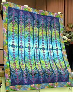 Our speaker at Prairie Quilt Guild this week was Jane Hardy Miller, the author of the French Braid quilt books. - shared on The Secret Life of Mrs. Patchwork Quilting, Batik Quilts, Cotton Quilts, Strip Quilts, Quilt Blocks, Quilting Projects, Quilting Designs, Quilting Ideas, Braid Quilt