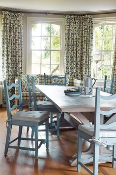 'Cape+Cod'+chairs+from+Sasha+Waddell+surround+the+kitchen+table+from+A+&+L+Antiques - Melissa Wyndham