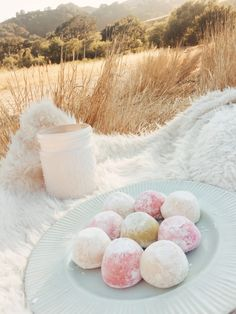 My Obsession With My/Mo Mochi Ice Cream - Vanilla Sky Dreaming - Ice cream aesthetic - Cute Desserts, Gourmet Desserts, Plated Desserts, Cream Aesthetic, Aesthetic Food, Cute Food, Yummy Food, Tasty, Mochi Ice Cream