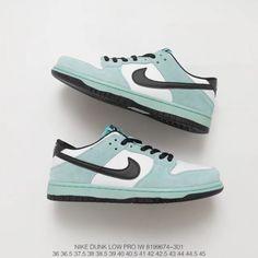 8a312b71f92  79.00 Nike Dunk Sky Hi White