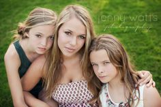 sibling idea Single Mom Photography, Mother Daughter Photography, Sibling Photography, Children Photography, Group Photography, Teen Photo Shoots, Sibling Photo Shoots, Sibling Poses, Photo Poses