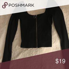 456accc5b8bb45 black zip up crop top -never worn -size small Hollister Tops Crop Tops Black