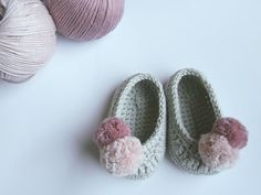 Slippers. Crochet baby shoes. Mary Jane shoes. Baby girl