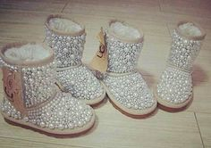 sapato customizado com chaton de pérola. www.ldicristais.com.br  Stylish Ugg Boots | Kids fashion