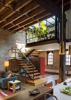Loft dans une ancienne usine de savons à New York par Andrew Franz