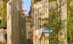 DIY: Gartendusche selber bauen Garden Shower, Amazing Gardens, Diy And Crafts, Whimsical, Outdoor Structures, Texture, Wood, Outdoor Decor, Home Decor