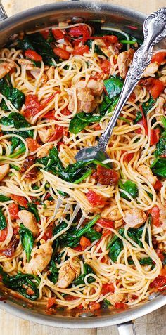 Made w/mushrooms and Chicken - Tomato Basil & Spinach Chicken Spaghetti – healthy, light, Mediterranean style dinner, packed with vegetables, protein and good oils.