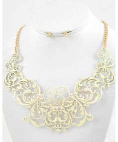 444912 Ivory Color Coated Metal Filigree / Necklace & Post Earring Set