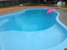 Parrot Bay fiberglass pool with tanning ledge