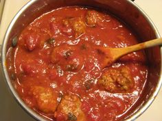 FODMAP Free Spaghetti with Turkey Meatballs » Living FODMAP Free  http://fodmapliving.com/sample-page/entrees-and-main-dishes/fodmap-free-turkey-meatballs/#