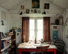 Dylan Thomas' Writing Shed, Laugharne - I love this. I want a she-shed Interior And Exterior, Interior Design, Piece A Vivre, Art Deco, Classic House, Cool Rooms, Cozy House, Home Office, Office Spaces