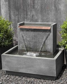 Gorgeous 50 Fresh Modern Backyard Landscaping Ideas https://bellezaroom.com/2018/01/08/50-fresh-modern-backyard-landscaping-ideas/ #OutdoorFountains