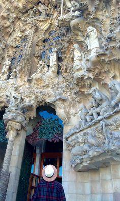 GAUDI: La Sagrada Familia