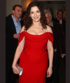 The star has become now a days for her impressive figure and calorie-laden creations. She has recently posted her before and after photos. Nigella Lawson Age, Vintage Summer Dresses, Celebrity Gallery, Tv Presenters, Independent Women, How To Slim Down, Celebs, Celebrities, Lingerie Models