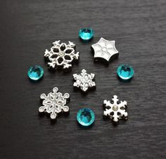 Set of Snowflake Floating Charms for Floating by PrettyPalazzo