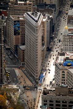 Flatiron Building NYC   Where Broadway and 5th Avenue intersect   Such an incredibly unique design