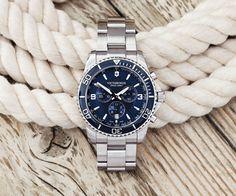 Die Maverick ist schon lange ein Bestseller der Victorinox Uhren, jetzt wurde der Chronograph überarbeitet. Das Design wurde auf möglichst effektive Weise optimiert, um die Lesbarkeit des Chronogra...