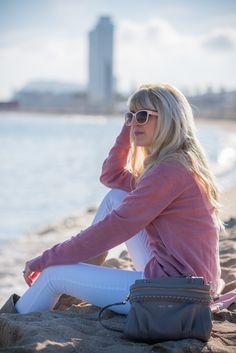 #pastel #beach #Barcelona #pink #casual #ootd #fashion #lifestyle #travel #fashionblogger