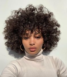90 highlights for black hair that looks great Natural Afro Hairstyles Black grea Short Afro Hairstyles Afro Black grea great hair hairstyles Highlights Natural Curly Hair With Bangs, Short Curly Hair, Curly Girl, Curly Hair Styles, Natural Hair Styles, Short Afro, 3c Natural Hair, Curly Hair Cuts, Natural Beauty