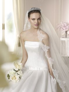 Style * DAVIDA * » Wedding Dresses » White One 2015 Collection » by San Patrick ~ Shown with side Pockets at skirt (close up)