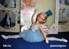 """Im Jahr 1981 und im Jahr 1982 veröffentlichte sie ihr Tagebuch bibi-bo. Im August ist das bibi-bo ist Ballerina """"Bolschoi""""! Nel 1981 e nel 1982 ha pubblicato il suo diario bibi-bo. Nel mese di agosto il bibi-bo è ballerina """"Bolshoi""""! En 1981 y en 1982 lanzó su diario bibi-bo. En agosto, el bibi-bo es bailarina """"Bolshoi""""!"""