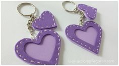 Llaveros fáciles con corazones, ¡no te lo pierdas! Foam Crafts, Diy Arts And Crafts, Diy Crafts, Felt Keychain, Felt Cupcakes, Felt Gifts, Mothers Day Crafts For Kids, Felt Embroidery, Leather Art