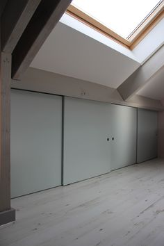 It's mind-boggling! Find out more about these Six good ideas all about Eaves Storage, Loft Storage, Storage Ideas, Loft Conversion Bedroom, Attic Conversion, Loft Room, Bedroom Loft, Diy Projects Garage, Overhead Garage Storage