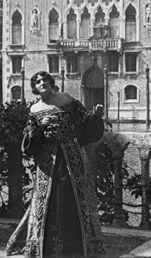 """Scena dal film """"Il Ponte dei Sospiri"""" di Domenico Gaido, 1921"""