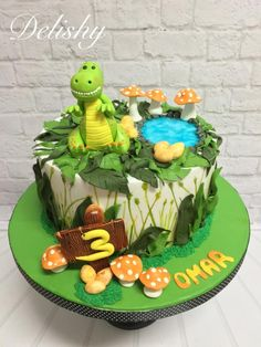 Best dinosaur birthday party ideas for kids. Party decoration, balloon garland , cake and cookies. Dinasour Birthday Cake, 3rd Birthday Cakes, Dinosaur Birthday Party, Jurassic World Cake, Dino Cake, The Good Dinosaur Cake, Pinata Cake, Star Cakes, Animal Cakes