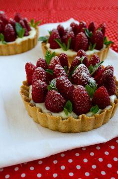 #Strawberry #Pie with Vanilla #Pudding Strawberry Pie, Strawberry Recipes, Raspberry Tarts, Fruit Tarts, Sweet Pie, Sweet Tarts, Pie Dessert, Dessert Recipes, Dessert Ideas