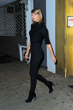 We're into this colorless Swift moment. More mod, please. #refinery29 http://www.refinery29.com/2016/03/105593/taylor-swift-style-pictures#slide-8