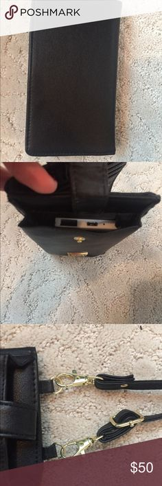 Chargeable phone wallet Liz Claiborne chargeable phone battery pack inside wallet Liz Claiborne Bags Clutches & Wristlets