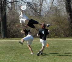 Ultimate Frisbee - this will end in an ouch