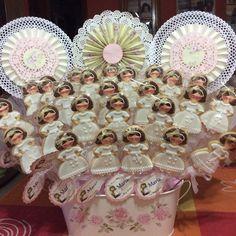 Centro galletas niña con gafas primera comunión