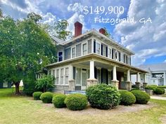 """Scott Reed - Serial Restorer on Instagram: """"⠀⠀⠀⠀⠀⠀⠀⠀⠀ 315 S. Main St, Fitzgerald, GA ⠀⠀⠀⠀⠀⠀⠀⠀⠀ WOW!!! This grand circa 1910 Colonial Revival has so much potential! With beautiful…"""""""