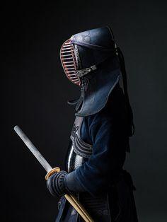 art-of-swords:  Sword Photography Photographer: John Magas&...