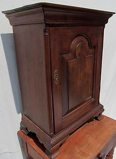 18TH CENTURY QUEEN ANNE TOMBSTONE DOOR WALNUT SPICE CHEST-YORK, PA CIRCA 1750