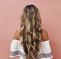 For real beach babes: 3 quick summer hairstyles for the beach - Trendfrisuren // Haare // Beauty - Mod's Hair, Hair Day, New Hair, Easy Hairstyles For Long Hair, Summer Hairstyles, Pretty Hairstyles, Hairstyle Ideas, Wavy Hairstyles, Hairstyle Men