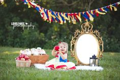 Baby Girl Photography Disney Snow White 63 New Ideas Halloween Baby Pictures, New Baby Pictures, Baby Halloween, Christmas Pictures, Trendy Halloween, Baby First Birthday Cake, 1st Birthday Party For Girls, Birthday Ideas, Baby Esther