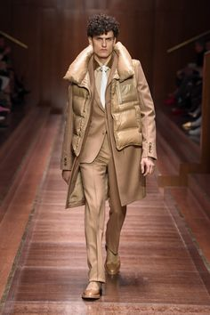 See all the looks from the show. Fashion News, Mens Fashion, Character Outfits, Military Jacket, Burberry, Menswear, Couture, My Style, Fall