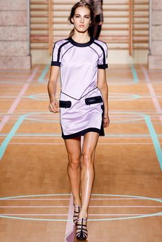 Versus Versace Spring 2012 Ready-to-Wear Fashion Show - Othilia Simon